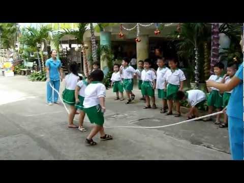 Lớp Lá chơi nhảy dây MNTT Hạnh Phúc quận Thủ Đức