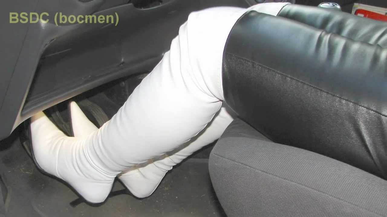 Very sensual Pedal pumping boots fetish wipe her ass