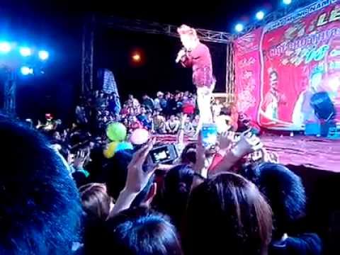 Du Thiên tại hội chợ thương mại T.P Bắc Ninh (18/03/2013)