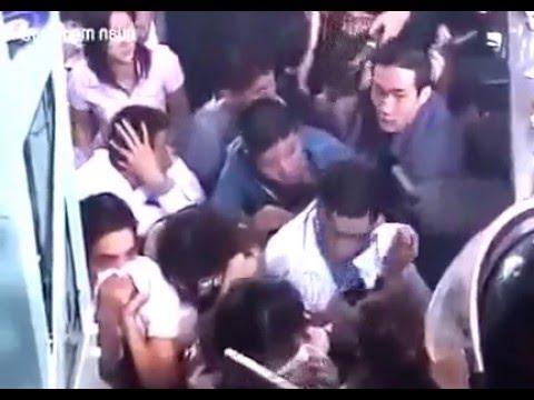 Công an đột nhập vũ trường lớn nhất Hà Nội gây rúng động Việt Nam