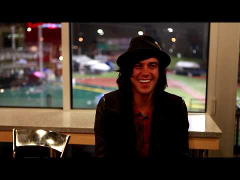 Kellin Quinn Interview (Talking About BryanStars) Sleeping With Sirens 2014