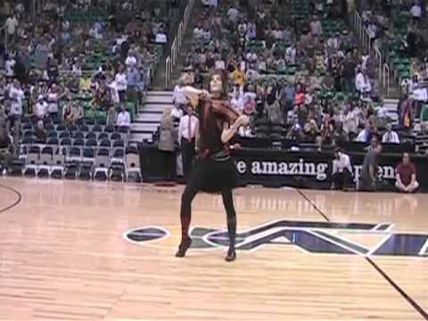 Lindsey Stirling- NBA Halftime show