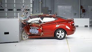 2013 Hyundai Elantra kaza testi - IIHS