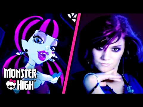 Monster High™ Fright Song, A killer new music video from the drop dead gorgeous Monster High student bodies. Monster High... where the ghoul kids rule, and freaky just got fabulous! Di...
