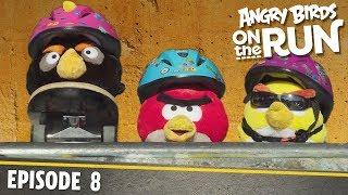 Angry Birds- Na úteku - 8 - Skateboard