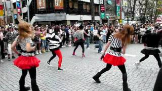Flash Mob! Shinjuku Cool Stage With Madonna 新宿突然