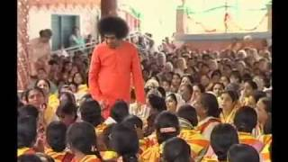 SRI SATHYA SAI BABA MIRACLE AND DARSHAN