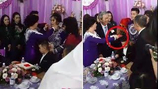 Vừa trao vàng xong xuôi,nhà trai gửi tiền thách cưới, mẹ Lê Phương liền hành động choáng thế này đây