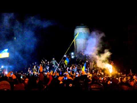 Падение Ленина в Днепре 22.02.2014 в 00.55 / Lenin`s fall in Dnipropetrovsk