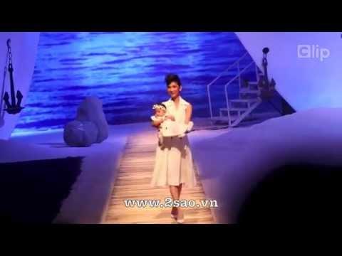 Xuân Lan catwalk cùng con gái 5 tháng tuổi khiến 1 000 khán giả ngỡ ngàng