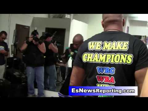 Roy Jones Jr. Floyd Mayweather Will Fight Manny Pacquiao May 2015 EsNews