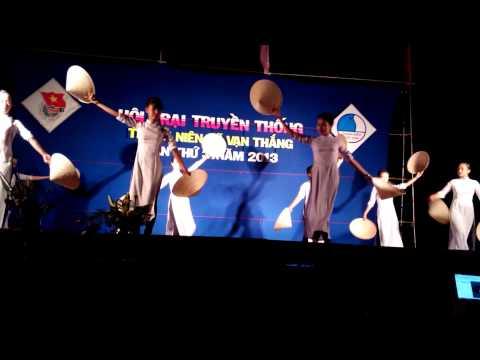 Hồn quê - Múa nón - hội trại truyền thống xã Vạn Thắng 2013