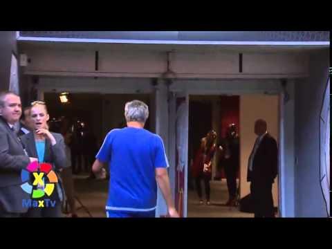 Mourinho ném huy chương lên khán đài