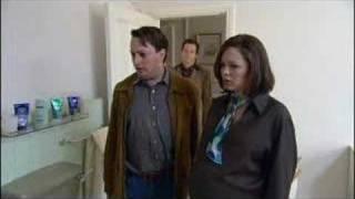 Mitchell and Webb: Avocado Bathroom