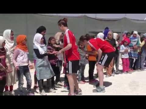 Der FC Bayern besucht das syrische Flüchtlingslager Za'tari