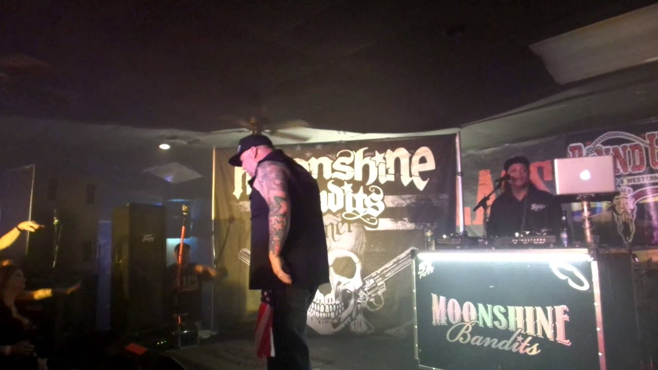 "Moonshine Bandits performing ""For The Outlawz"" - YouTube"