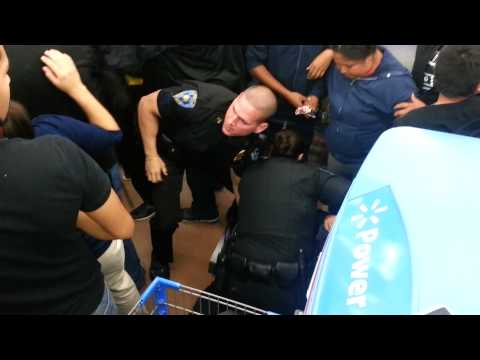 Crazy Wal-Mart Black Friday fight for TV 2013