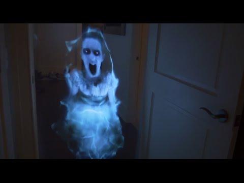 Dọa ma bạn gái bằng công nghệ Hologram