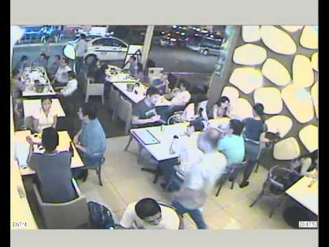 CCTV Caught stealing laptop from bag @ Oyster Boy Metro Walk (Camera 4 ...