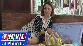 THVL | Những nàng bầu hành động - Tập 14[3]: Kiên nhìn thấy mẹ đứa bé lấp ló trước cửa nhà