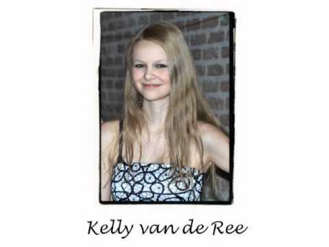 Kelly van de Ree singing