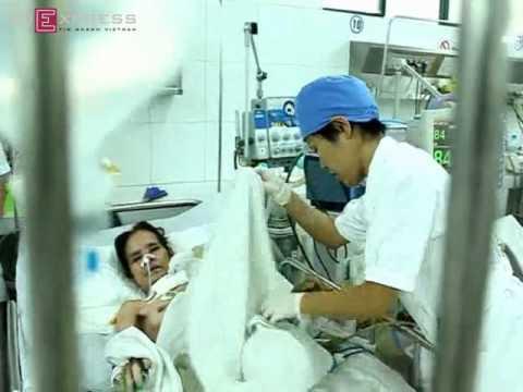 Cô y tá Nhật Bản tận tình với bệnh nhân Việt