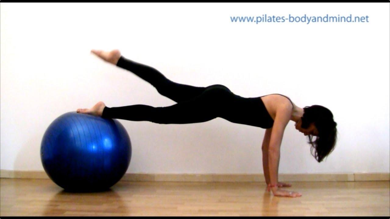 pilates esercizi con la palla gym ball youtube. Black Bedroom Furniture Sets. Home Design Ideas