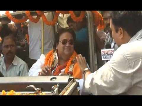 Battleground 2014: Vote Yatra with BJP candidate Bappi Lahiri