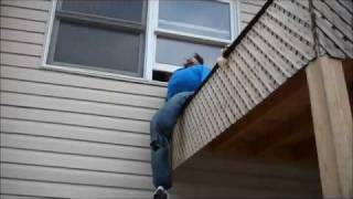 KID JUMPS OFF ROOF AND DIES