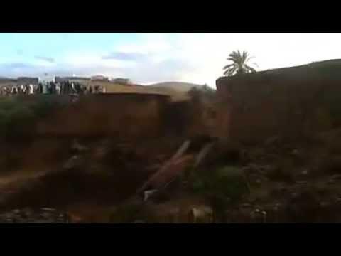 فيديو مثير : لحظة سقوط قنطرة كريزيم الرابطة بين ميراللفت و تيزنيت