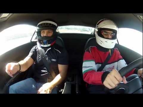 اوفر دووس: اودي R8 - Audi R8