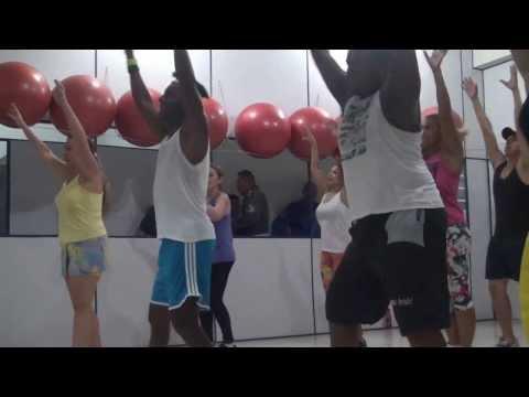 Coreografia de Ivete sangalo Tempo de Alegria de Brunno Dmitri (sem edição)