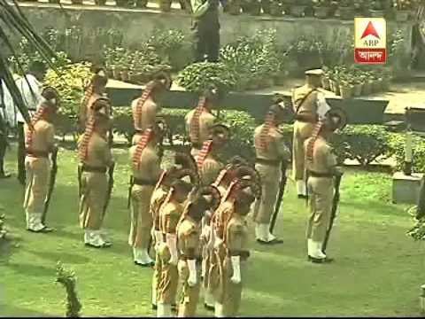 Kolkata police offers gun salute to late legendary actress Suchitra Sen