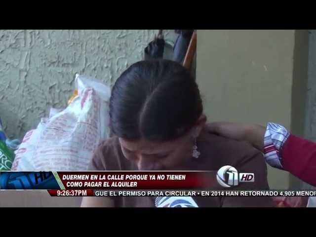 En la calle está viviendo una familia entera en la capital de Honduras.