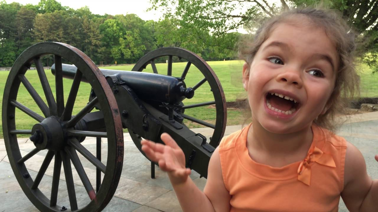 Видео: как дети видят своих родителей, когда те пьяны