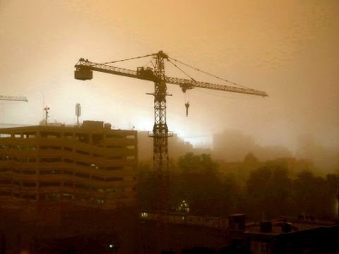 Raw: Deadly Dust Storm Roars Into Iran