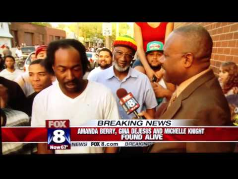 Cleveland Hero, Charles Ramsey Describes How He Rescued Kidnapped Girls