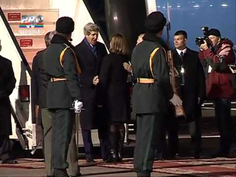 US Secretary of State John Kerry arrives in Chisinau