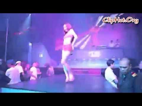 Angela Phương Trinh mac vay sieu mong   YouTube