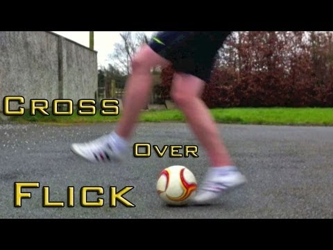 Crossover Flick Up (Tutorial) :: Freestyle Football / Soccer