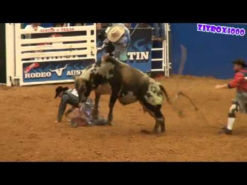 Payaso de Rodeo ¡¡En Accion!! (SALVANDO AL VAQUERO)