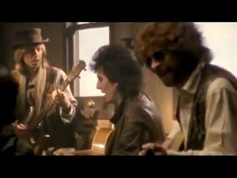 Traveling Wilburys (Harrison, Orbison, Dylan, Petty, Lynne, Keltner) - End of the Line - HQ