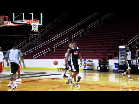 Dwight Howard Alleyoop - Houston Rockets Training Camp Scrimmage