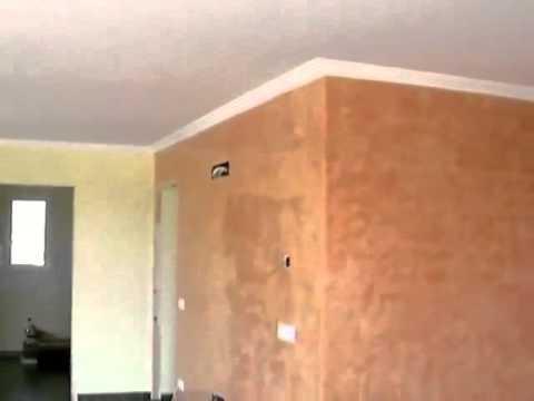 Paredes del salon con estuco veneciano planchado en frio y for Aislar paredes del frio
