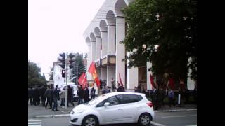 Protestul comuniştilor la Parlament văzut de T.Pînzari