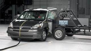 2005 Toyota Sienna side test videos