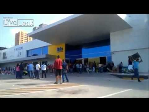 Venezuela President Closes Chain Store Declares Everything Must Go, Chaos Ensues