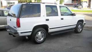 1998 Chevrolet Tahoe LT Start Up, Engine, and Full Tour videos