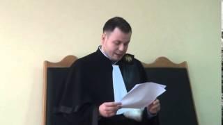 Cred că judecătorul este părtinitor, dar instanța refuză să-l schimbe