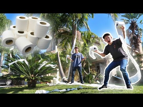 TOILET PAPERING FAZE RUG'S HOUSE! *CHASED DOWN BY PARENTS*